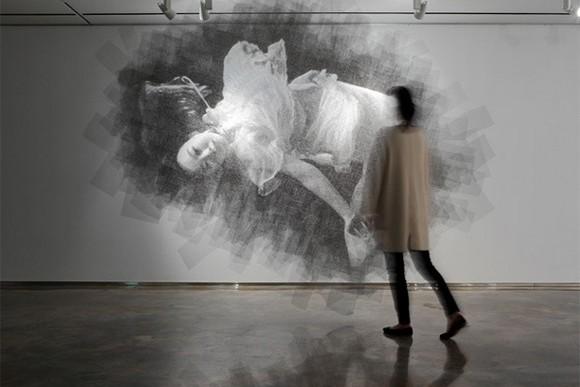 用金屬絲線創作的人物肖像