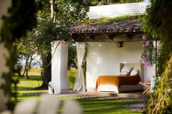 House-Jasmines-in-Argentina-3-640x426.jpg