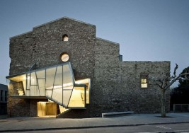 西班牙小鎮修道院的重生