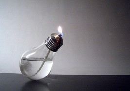 停電了嗎!? 那就點亮燈泡吧(咦?