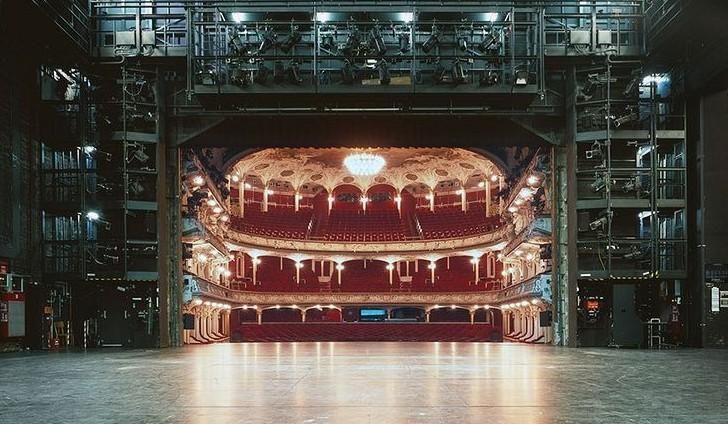 從舞台後方一窺歐洲劇場全貌