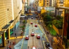 移軸攝下的香港街景