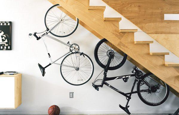 20個聰明的樓梯下空間應用